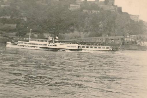 Fahrt über den Rhein