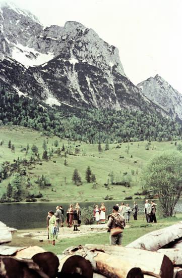 ausflug, Baumstamm, bayern, Berg, Berge, Dirndl, holz, see, Tracht, urlaub