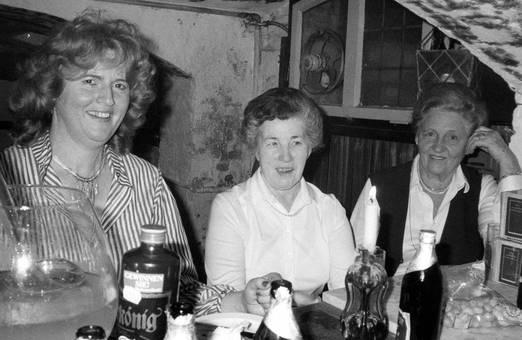 Feiern in der Kellerbar