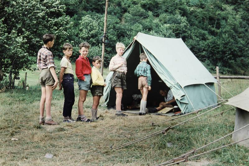 Ferienlager, Kindermode, lederhose, pfadfinder, zelt, Zeltplatz