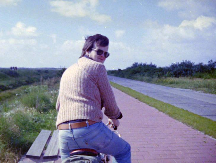 fahrrad, Fahrradtour, gürtel, Jeans, Radtour, Schulterblick, sonnenbrille, urlaub