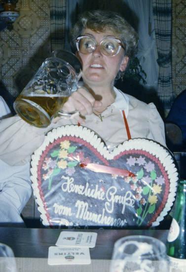 Bier, Bierdeckel, Brille, frisur, Gaststätte, lebkuchenherz, maß, Maßkrug, Minden, mode, münchen, Theresienwiese, Veltins