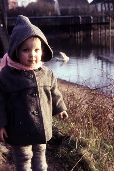 Kindheit, kleinkind, mantel, mode, schal, see, spaziergang, wollstrumpfhose