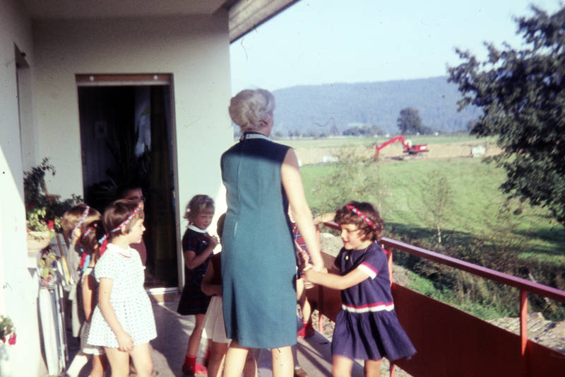Balkon, feier, geburtstag, Geburtstagsfeier, Haarreif, Kindergeburtstag, Kindheit, mode, Spaß, tanzen