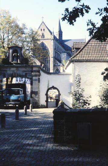 Altenberger Dom, ausflug, dom, KFZ, straße