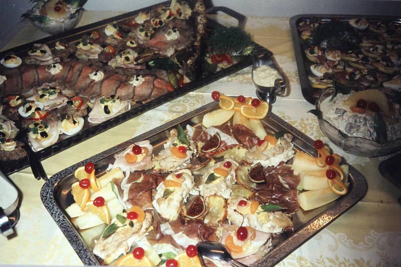 Buffet, essen, feige, Fingerfood, kanapees, nahrungsmittel, platte, Salatschüssel, sauciere, soleier, tablett, Tischdecke