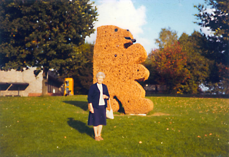 Bär, frau, Skulptur, Telefonzelle