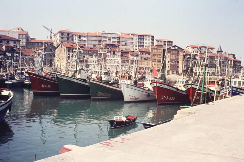 Baskenland, boot, Fischereihafen, fischerhafen, gebäude, Hafen, haus, Lekeitio, meer, reise, schiff, Spanien, urlaub