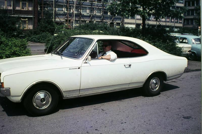 auto, gebäude, haus, kadett-a, KFZ, Opel, PKW, rekord-c, vespa