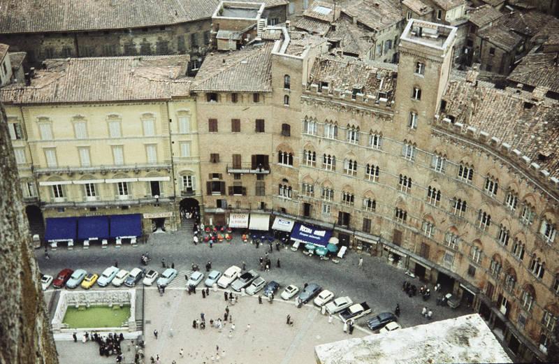 auto, gebäude, haus, Italien, KFZ, Piazza del Campo, PKW, reise, siena, urlaub