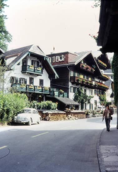 Architektur, Balkon, Brennholz, dachgaube, haus, Holzstapel, oberösterreich, Österreich, st. wolfgang, urlaub, VW Käfer