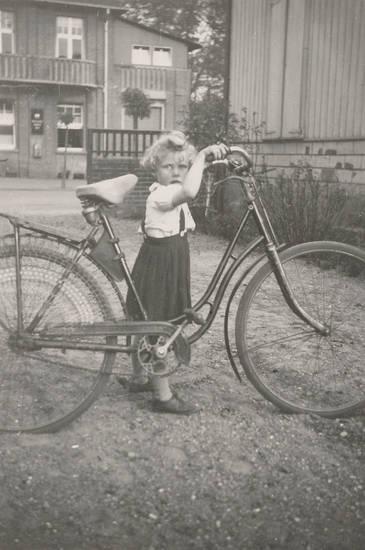 Balkon, fahrrad, haus, Kindermode, Kindheit
