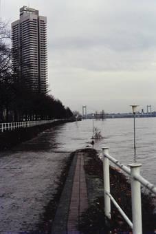 Colonia-Haus bei Hochwasser