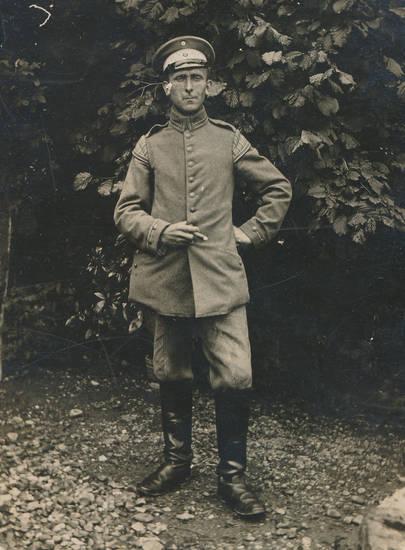 Schirmmütze, soldat, stiefel, Uniform, Zigarre
