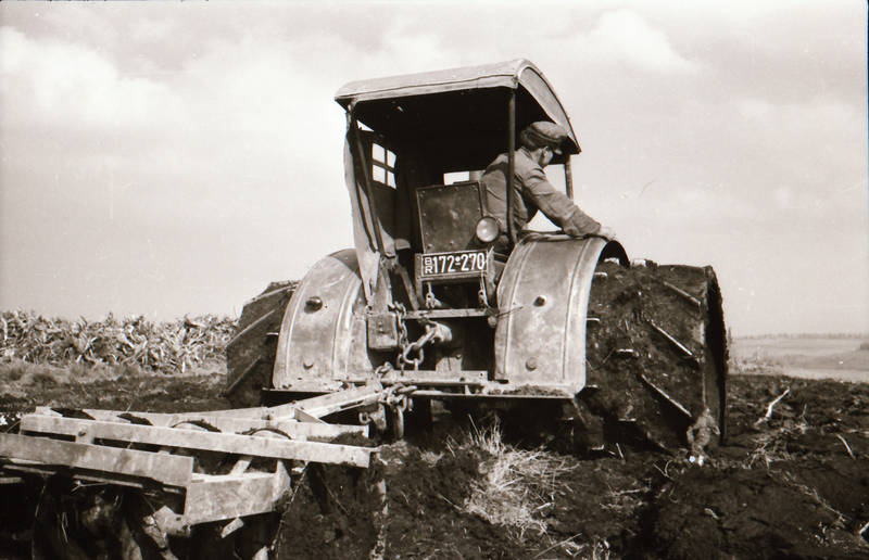 arbeit, Arbeiter, feld, Feldarbeit, Lanz-Bulldog, Moorbereifung, traktor, umgraben