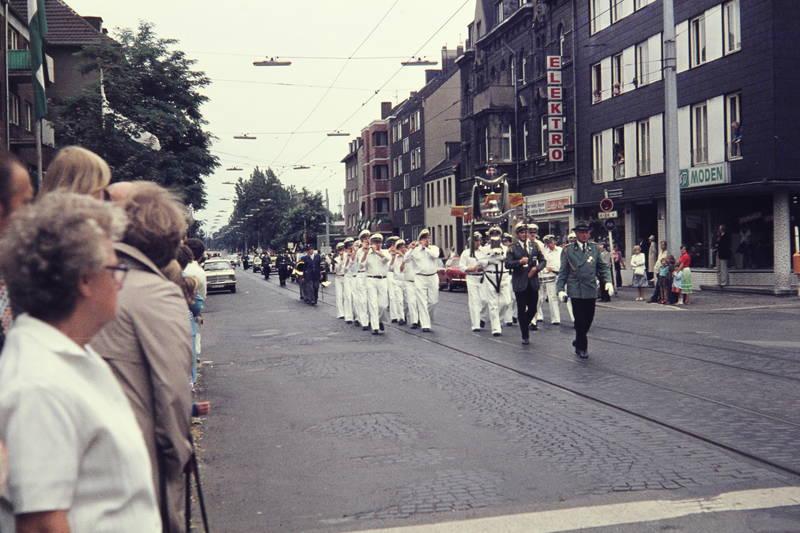 Gelsenkirchen, Musikkapelle, Parade, schützen, Schützenumzug, Straßenbahnschienen