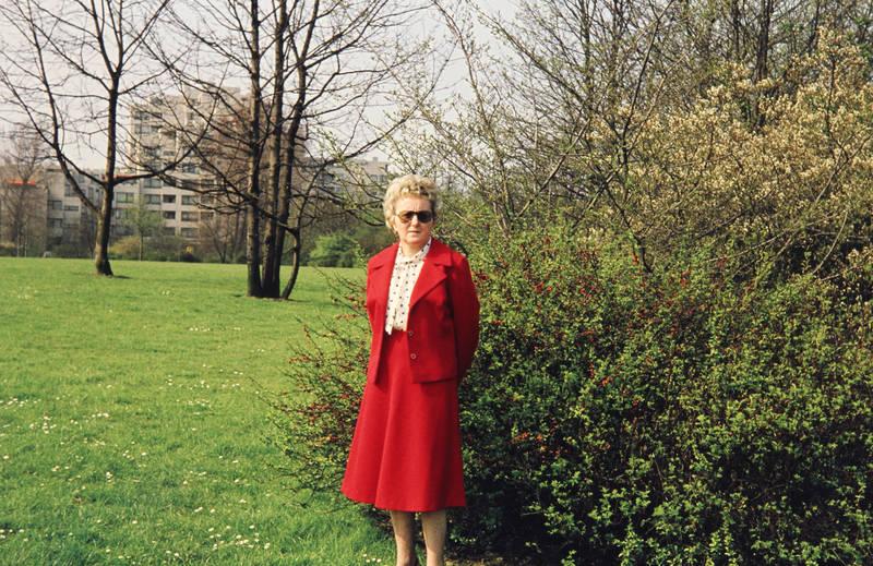 Damenmode, Kostüm, mode, park, Strauch