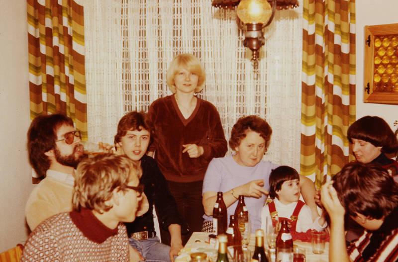 Bier, freunde, gemütlichkeit, party, wohnzimmer