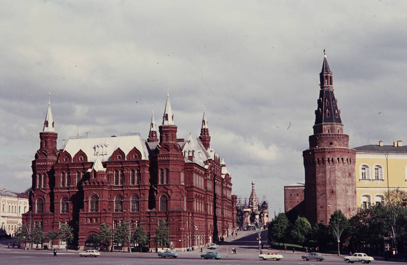 auto, KFZ, Kirchturm, Krasnaja Ploschtschad, Landesgeschichte, Laterne, Moskau, PKW, Roter Platz, Sowjetunion, Staatlich Historisches Museum, Zentrum