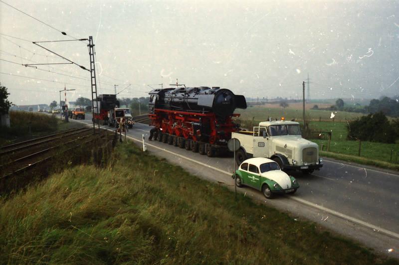 deutsche bundesbahn, Kaelble, Kaelble-Zugmaschine, KFZ, Kopplung, PKW, vw, VW Käfer, zug, Zugteil