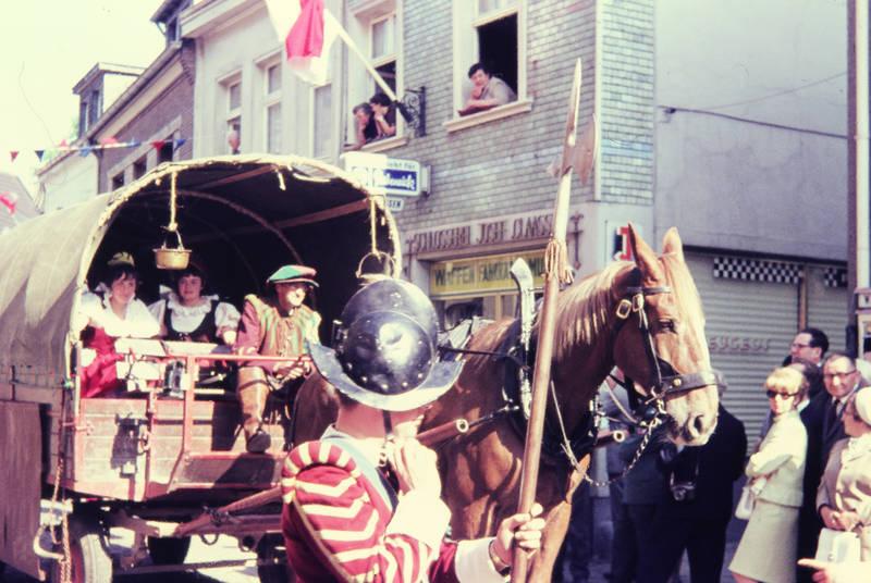 festzug, Helm, Krone, Pferd, Pferdekutsche, verkleidung