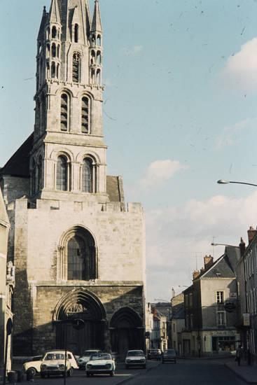 Étampes, kirche, Notre-Dame-du-Fort, Parkplatz, Pfarrkirche