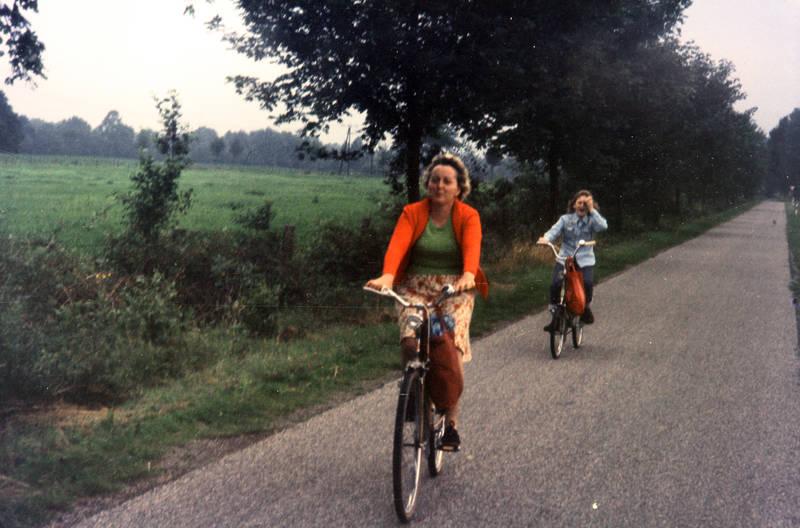 ausflug, fahrrad, Fahrradtour, familie, Familienleben, Feldweg, tochter