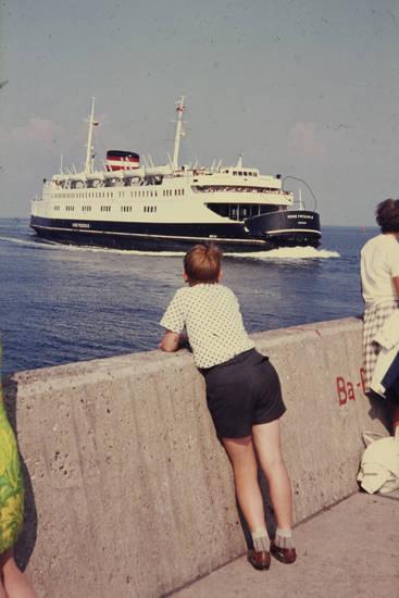 Blick, DSB, DSB-Fähre, fähre, Fährschiff, Fernweh, kind, Kindheit, meer, ostsee, schiff, urlaub