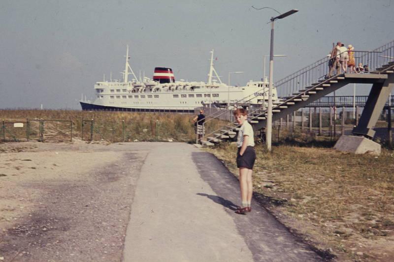 DSB-fährschiff, Fährschiff, Hafen, junge, meer, ostsee, schiff, straßenlaterne, Treppe