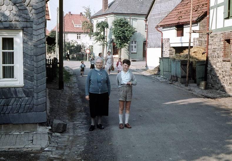 familie, Kindheit, oma, Sauerland, straße