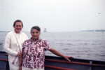 Zwei Frauen ander Reling