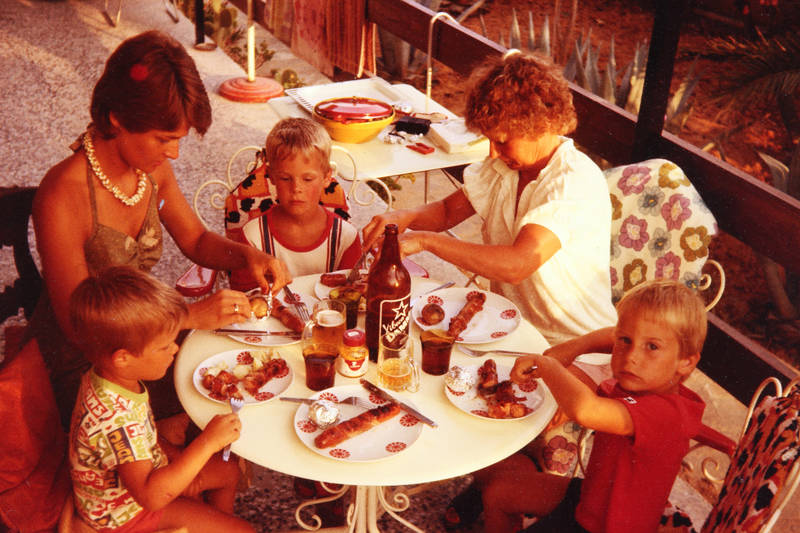 alkohol, Bier, Bratwurst, essen, grillen, Grillwurst, Kette, schmuck, urlaub, Urlaubsreise, Wurst