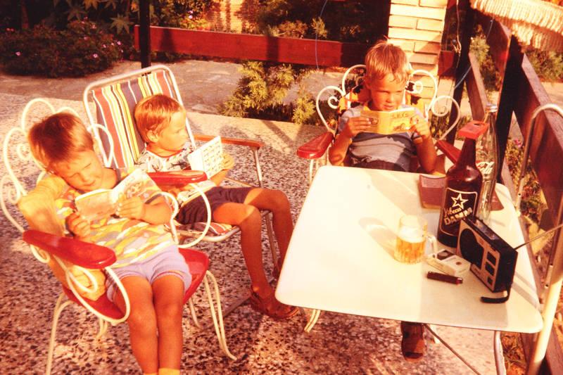 Bier, brüder, lektüre, Lesen, tisch, urlaub, Urlaubsreise