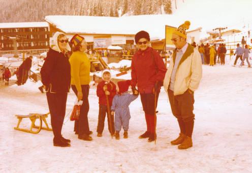 Groß und Klein im Schnee