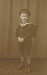 Junge mit Schulranzen