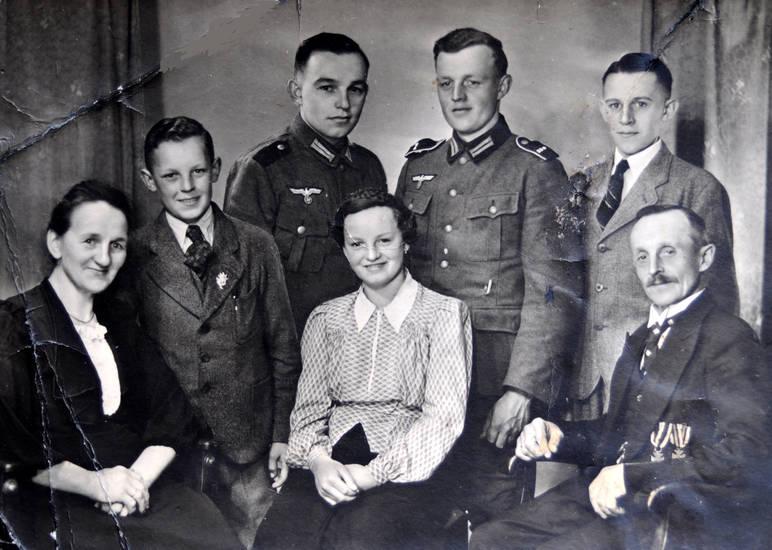 2. Weltkrieg, familie, familienfoto, mode, orden, Soldaten, Uniform, Wehrmacht