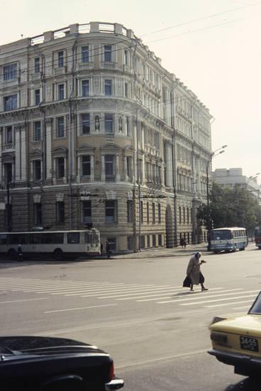 Eckhaus, Moskau, straße, Zebrastreifen