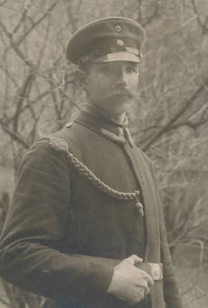 Mann in Uniform