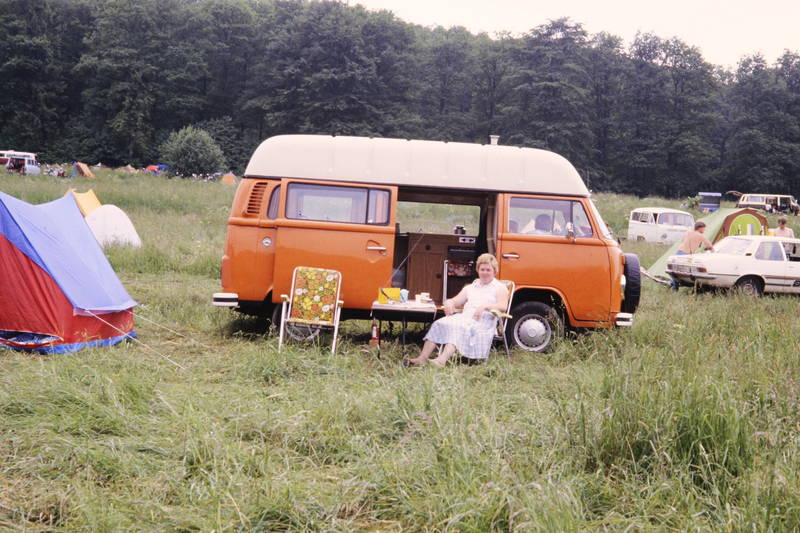 Bulli, camper, camping, Campingplatz, KFZ, Klappstuhl, rekord-d, VW-Bulli