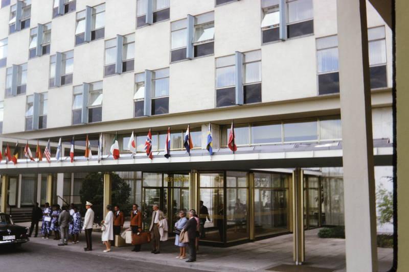 berlin, Eingang, Hilton, Hotel, Koffer, page