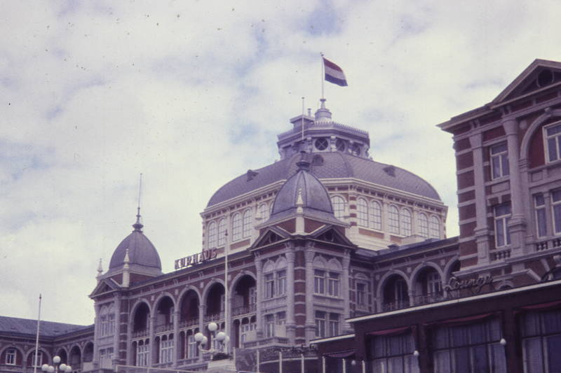 fahne, flagge, gebäude, kurhaus hotel scheveningen, Scheveningen, trikolore