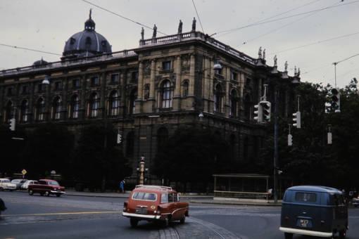 Kreuzung am Museum