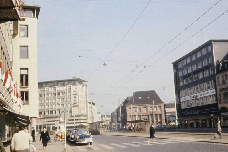 auto, Bahngleis, bielefeld, Fußgänger, Haltestelle, Hettlage, Jahnplatz, KFZ, PKW, Zebrastreifen