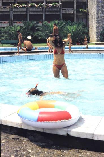 Bikini, pool, Schnorchel, Schnorcheln, Schwimmbecken, Schwimmreifen, swimming pool, urlaub