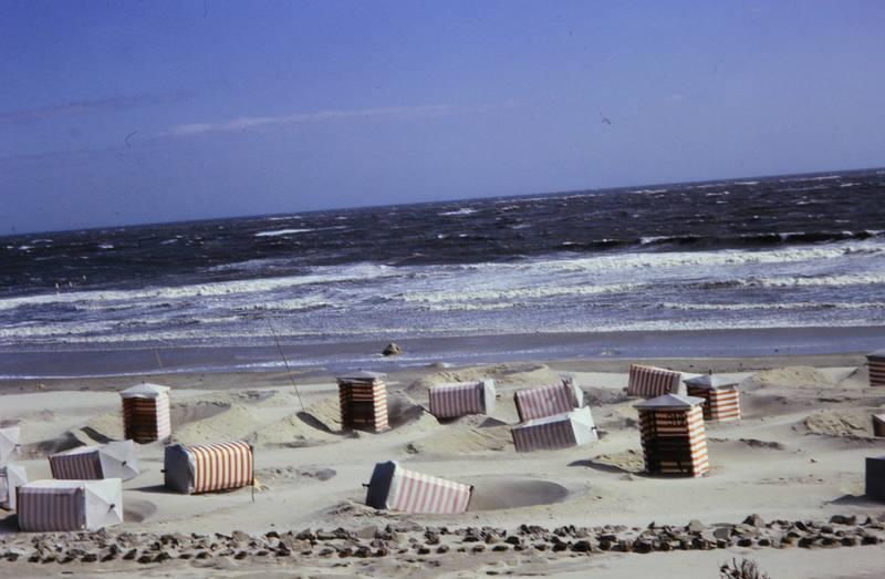 Borkum, nordsee, strand, Strandkorb, strandzelt, Sturm