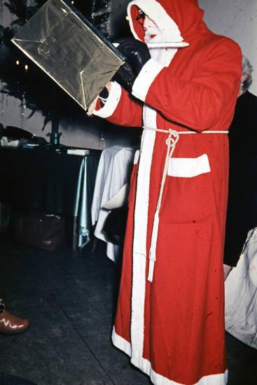geschenk, Kostüm, Nikolaus, verkleidung, Weihnachtsbaum, Weihnachtsfeier, weihnachtsmann