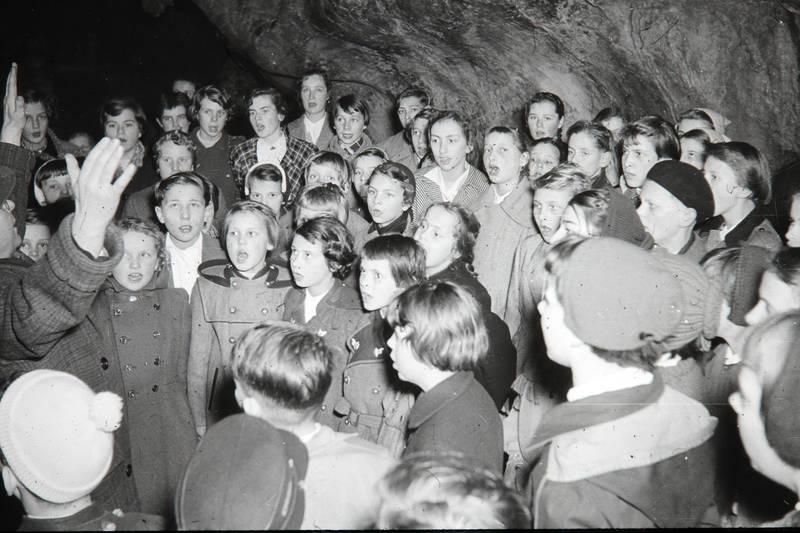 ausflug, Chor, Dechenhöhle, Kinderchor, Singen, Tropfsteinhöhle