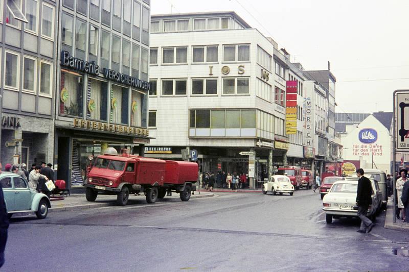 auto, Barmenia Versicherungen, bus, Feuerwehr, IOS, kadett-b, KFZ, Laurenzberg, Mercedes-Benz, mercedes-unimog, Mosch, PKW, Saarbrücken, schlauch, VW Käfer, vw-411-le, VW-Bus, Walter