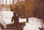 Winterliche Schneeballschlacht