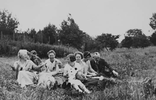 Gruppe im Gras